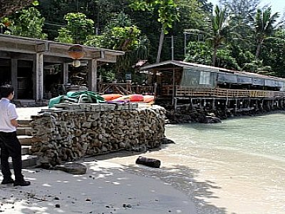 Phuket raid uncovers illegal beach resort | The Thaiger