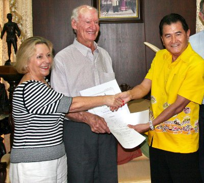 Phuket yachting legend Rolly Tasker dies, at 86 | The Thaiger
