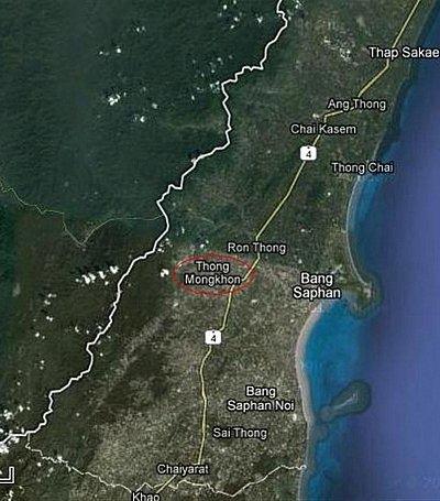 BREAKING NEWS: Phuket-bound tour bus crashes, 11 injured | The Thaiger