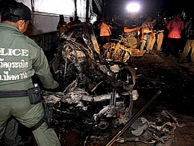 Thailand News: More bomb blasts; Opposition to file motion on South; Yingluck in censure debate | The Thaiger