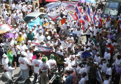 Protest against Tesco Lotus in Phuket Town | The Thaiger