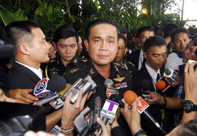 Phuket Gazette: Army files complaint against Thaksin's lawyer | The Thaiger