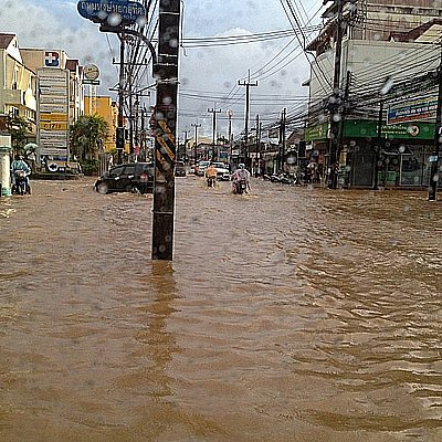 Flooding brings Phuket Town to a standstill | The Thaiger