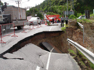 Phuket floods damage roads, pull down power poles | The Thaiger