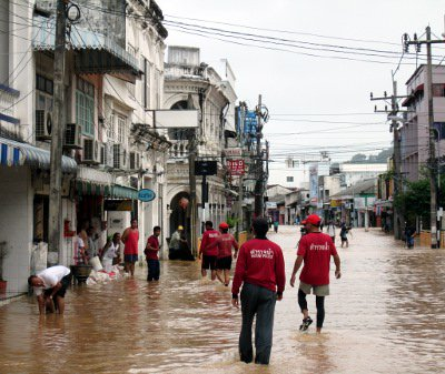 500 Phuket homes affected by floods | The Thaiger