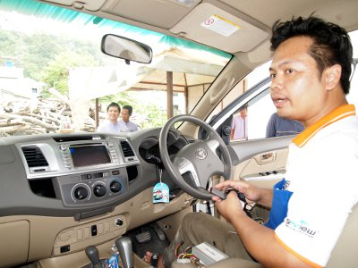 Phuket tourist safety boost as Patong taxis install GPS units | The Thaiger