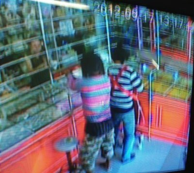 Police set up cordon to capture brazen Phuket gold shop robbers | The Thaiger