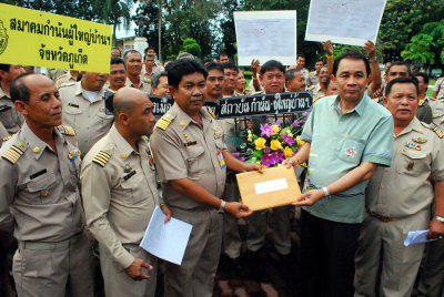 Phuket village headmen rally against new election law   Thaiger