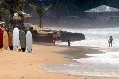 Phuket beach turf war heats up as officials look to remove restaurants | Thaiger