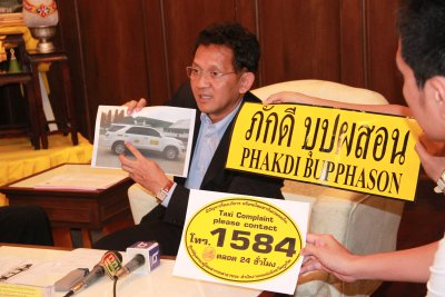 Phuket illegal taxi amnesty to end November 1 | Thaiger