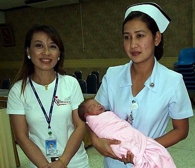 Phuket mother returns to nurse abandoned newborn | Thaiger