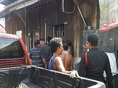 'Mentally unstable' man found dead with knife in neck | Thaiger