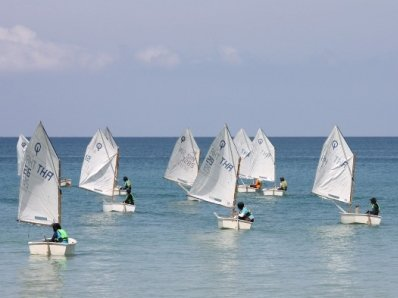 Smooth sailing in Phuket Dinghy Series second race   Thaiger