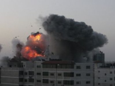 World News: Israel, Gaza intensify bombings this morning | The Thaiger