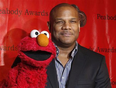 World News: Sesame Street's Kevin Clash resigns over sex allegations | The Thaiger
