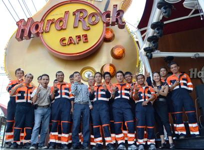 Hard Rock Cafe Phuket gives thanks to first responders | The Thaiger