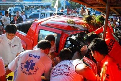 Girl, 9, confirmed dead in Phuket tour van crash | The Thaiger