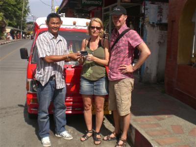 Honest Phuket tuk-tuk driver returns camcorder | The Thaiger