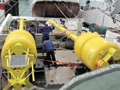 Phuket tsunami warning buoys arrive | The Thaiger