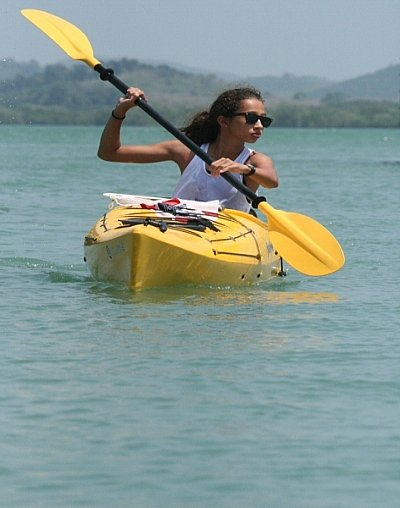 Phuket's little Bird on the water paddles her heart out | The Thaiger