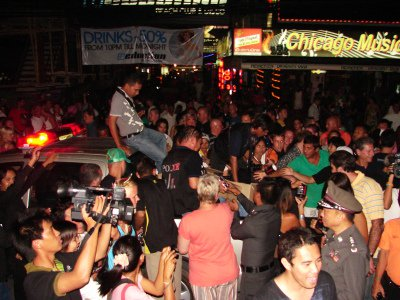 Phuket crowd mobs DEA for