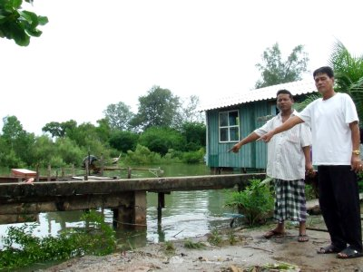 High tide blues: Phuket village pleads for new seawall | The Thaiger