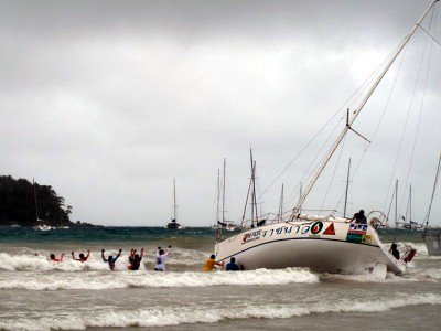 Phuket storm pushes King's Cup racers aground | The Thaiger