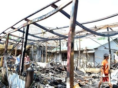 Warehouse gutted in Phuket Town blaze | The Thaiger