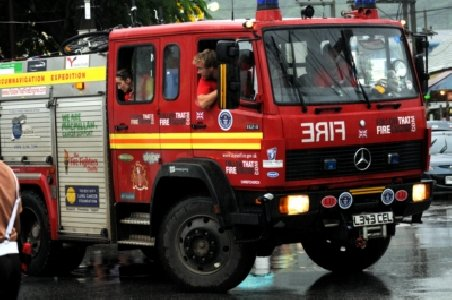 """Road record: British fire engine """"Martha' makes it to Phuket 