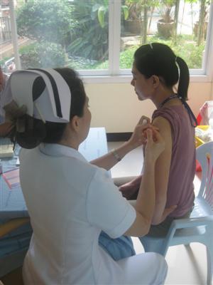 Phuket begins swine flu vaccinations | The Thaiger