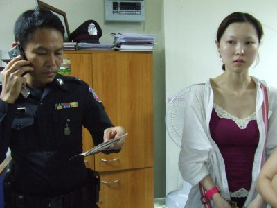 Abandoned Chinese tourists cry foul in Phuket | The Thaiger