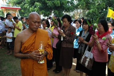 Phuket Governor marks Asarnha Bucha Day | The Thaiger