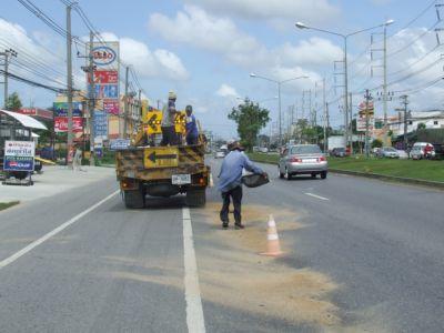 Fuel slick havoc on Phuket road | The Thaiger