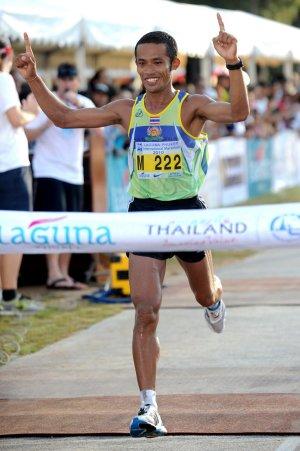 Charkrit wins Laguna Phuket Marathon | The Thaiger