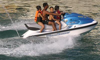 Compulsory insurance plan for Phuket jet-ski rentals | The Thaiger