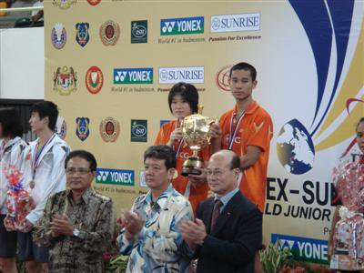 Phuket teen nets badminton gold | The Thaiger