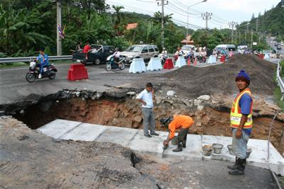 Work underway on Patong Hill flooding problem | The Thaiger