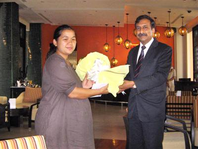 India gives aid to family of Phuket terror victim in Mumbai | The Thaiger