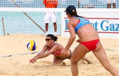 Favorite teams drop like flies in Phuket Thailand Open volleyball tourney | The Thaiger