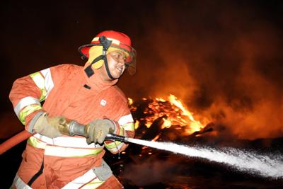 Phuket firemen battle inferno | The Thaiger