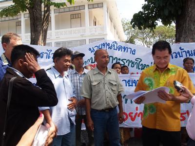 Racha Yai residents protest new resort development | Thaiger