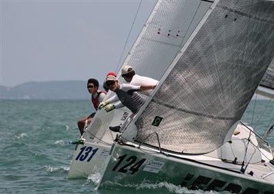 Ferret outruns Fox in Pattaya regatta | Thaiger