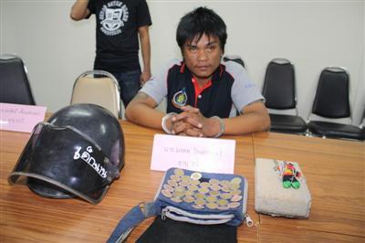 Brick-wielding thug robs Phuket 7-Eleven, gets Bt360 | The Thaiger