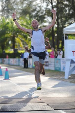 Aussie romps to second Laguna Phuket marathon win | The Thaiger
