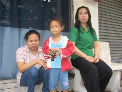 Thieving teens victimize blind masseuse in Phuket City | The Thaiger