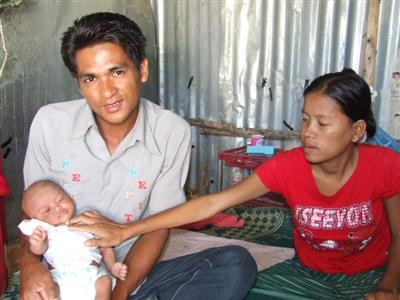 Phuket Police find parents of abandoned baby | The Thaiger
