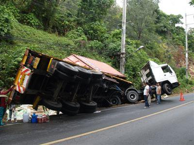 Deliberate truck crash in Phuket | The Thaiger