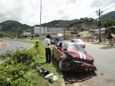 Mystery motorcyclist blamed for Phuket pile-up | The Thaiger