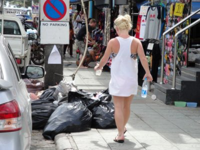 Trash not welcome on Phuket's walking street | The Thaiger