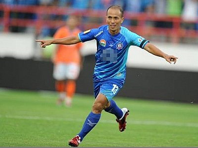 Football star Therdsak to coach at Phuket's Thanyapura | The Thaiger